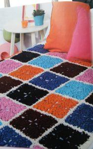 Pinwheel Blanket www.lindadeancrochet.com